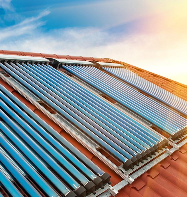 Le gaz naturel et l'énergie solaire: la combinaison idéale