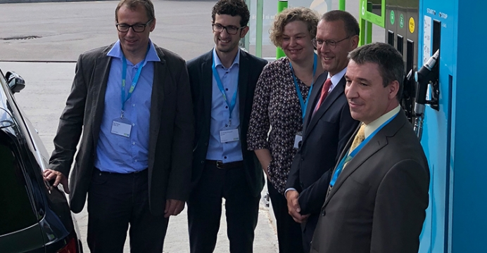 Gas.behuldigt het 100ste Belgische CNG-station in.