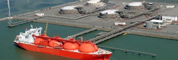 De infrastructuur omvat meer dan alleen de tankers